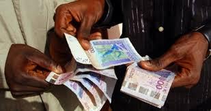 bureau de transfert d argent faux billets comment une gérante d un bureau de transfert d