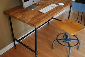 help me build an appropriate sized mobile pipe desk for my new