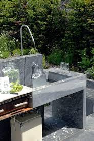 cuisine de jardin en cuisine extérieure en bois béton esprit indus guinguette
