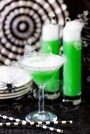 how to make a halloween green potion cocktail