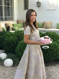 monique lhuillier is designing a pottery barn collection and we u0027re