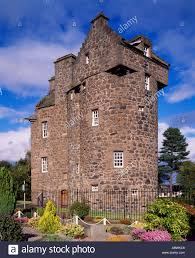 claypotts castle dundee city scotland uk a 16th century z plan