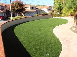 Alternatives To Grass In Backyard by Exterior Back Yard Landscaping With Grass And Step Stone Also