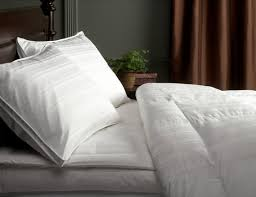 What Is The Most Comfortable Comforter What U0027s The Best Goose Down Comforter In 2017 Sleep Ridiculously