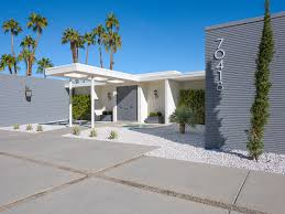 zsa zsa gabor palm springs house zsa zsa gabor s iconic home set for facelift following her death