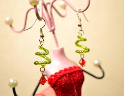 christmas earrings how to make tree shape earrings for christmas 9 steps