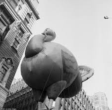 watch the macy thanksgiving day parade online a history of macy u0027s thanksgiving parade from the 1930s to today