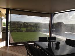 roller blinds in mesh fabric instant protection from uv rays