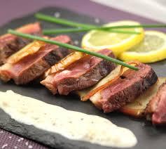 cuisiner le magret magret de canard aux pommes et sa sauce au cidre envie de bien manger