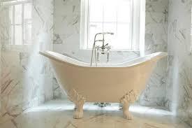 10 beautiful bathrooms with clawfoot tubs