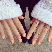 nail polish peach light skin tone pale orange light manicure