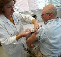 A farsa das vacinas