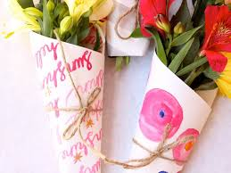 paper wrapped flowers paper wrapped flowers diy hostess gifts momtastic