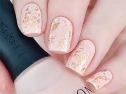 21 times and gold nails rock naildesignsjournal