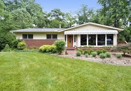 Red Roof Alexandria Virginia by Home For Sale In Alexandria 8719 Gateshead Rd Alexandria Va