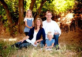Outdoor Family Picture Ideas Farm Family Picture Ideas Tree Farm Family Photos Family