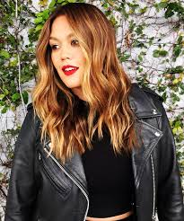 los angeles hair color ideas highlights warm tones