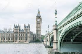 chambre du parlement le big ben la chambre du parlement et le pont de westminster à l