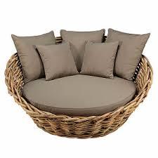 canapé lit rond canapé rond de jardin en rotin et coussins taupe maisons du monde