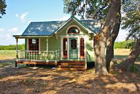 tiny cabin homes texas builders go big with tiny house construction business san