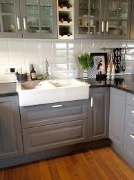 landhausküche grau küche landhausstil grau verzögert auf küche plus die 25 besten