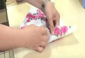 japanese wrapping method this japanese method of gift wrapping takes only 15 seconds