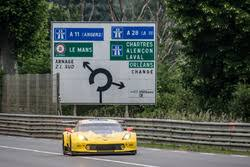 corvette racing live corvette racing at le mans to take on the once again