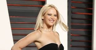 Jennifer Lawrence Vanity Jennifer Lawrence Shows Abs At The Vanity Fair Oscars Party My
