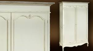 armoire de style shabby chic