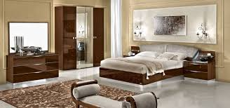chambre italienne awesome chambre a coucher italienne marron contemporary seiunkel