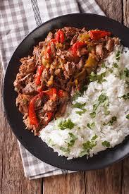 cuisine avec du riz cuisine cubaine la viande de vieja de ropa avec du riz garnissent