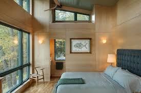 chambre adulte bois decoration lambris mural bois clair chambre adulte chalet