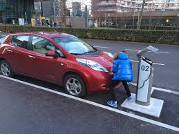 nissan leaf south africa my e life now charging the leaf at an autolib station take 3
