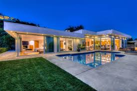 beautiful single floored house in los angeles ca 1600x1066