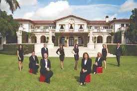high end real estate agent four excellent reasons to hire a luxury real estate agent in miami