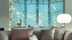 Christmas Decorations On Window by Christmas Decorations For Apartments With Small Spaces