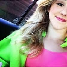 Chloe Lukasiak Bedroom Omg Her Braces Are Off Omgomgomg She Looks So Different But