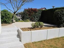 bloc marche escalier exterieur maçonnerie de jardin dans le doubs duchesne jardins