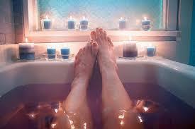 Get A Spa Like Tub Into A Tiny Bathroom