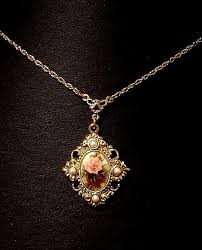 necklace with vintage images Get the history of vintage necklaces in your collections jpg