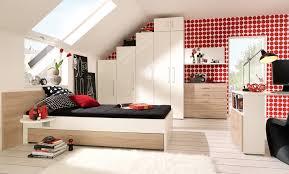 Schlafzimmer Sch Dekorieren Farben Fr Schlafzimmer Mit Schrgen Eigenschaften Die Besten 25