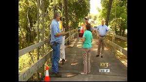 trump s desk kytv mccaskill blunt bill to save riverside bridge heads to