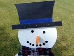 wooden snowman how to build a wooden snowman how tos diy