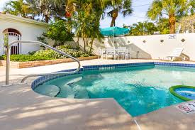 silver seas meticulously renovated 2 2 near beach access shared