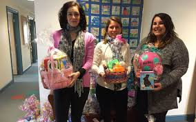 easter basket delivery splurge delivers 131 easter baskets to local charities