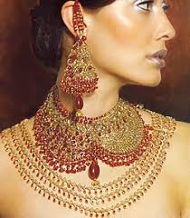 fashion gold jewelry with models photos
