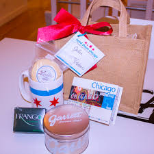 chicago gift baskets chicago gift baskets a way to welcome visitors to chicago