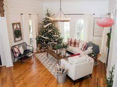 fixer upper hosts chip and joanna gaines holiday house tour