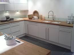 cuisine bambou cuisine blanc plan de travail bois