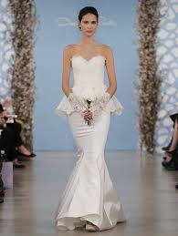 oscar de la renta lace wedding dress oscar de la renta 2014 collection aisle